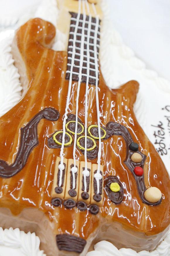 12月のケーキ ギター 誕生日ケーキ
