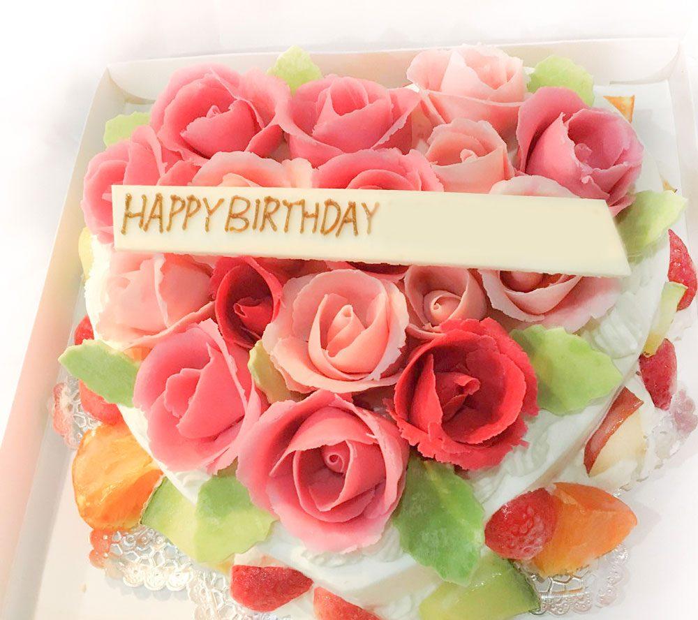 バラの誕生日ケーキ