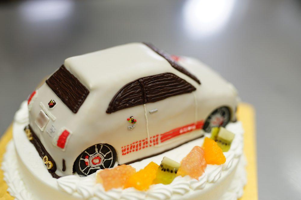 アバルト車ケーキ