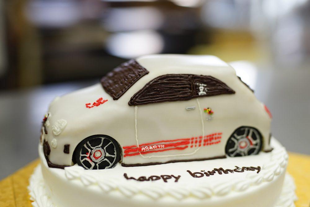 車のケーキアバルト