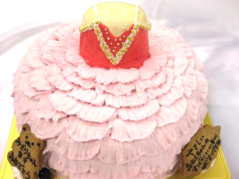 バレリーナの立体ケーキ