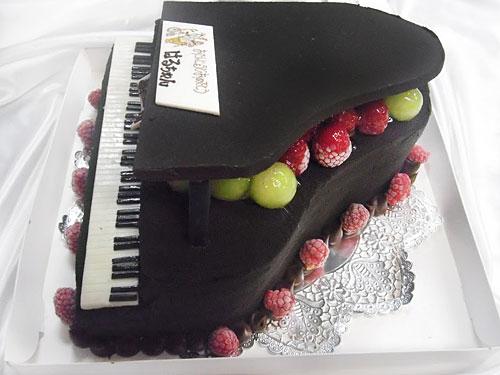 ピアノのケーキ 誕生日