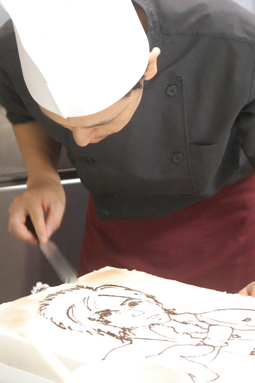 似顔絵ケーキの制作過程