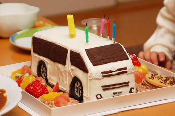 車のケーキ ハイエース