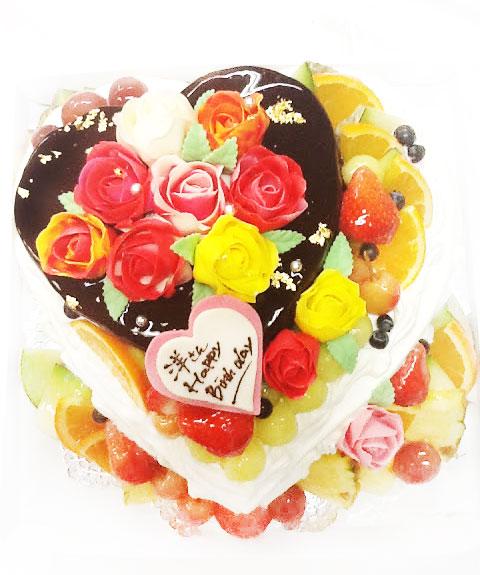 ハート型 バラのデコレーションケーキ