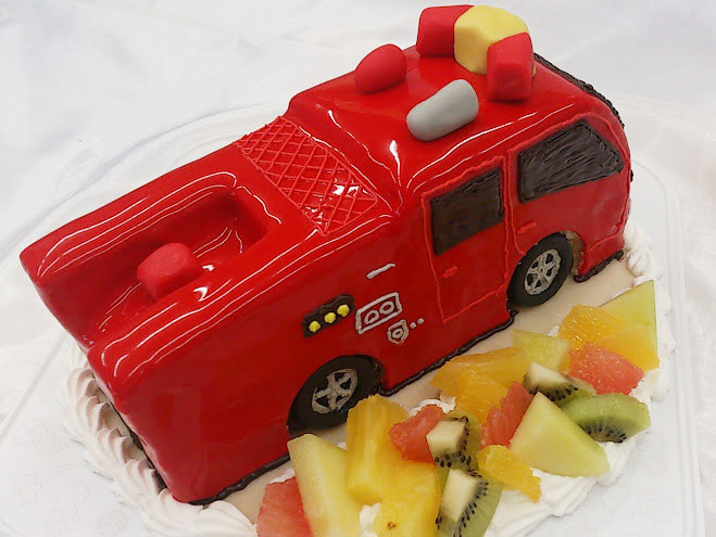 消防車 誕生日ケーキ
