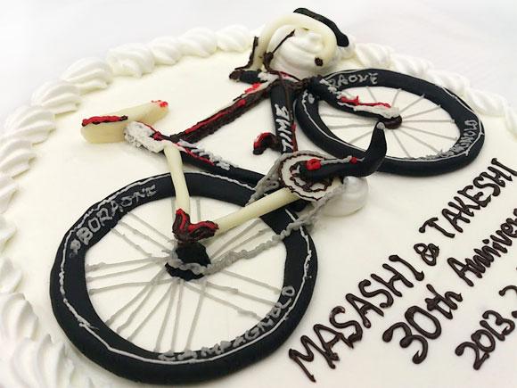 自転車の誕生日ケーキ