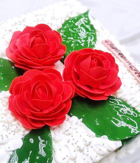 椿のデコレーションケーキ