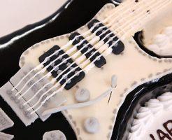 ギターのケーキ