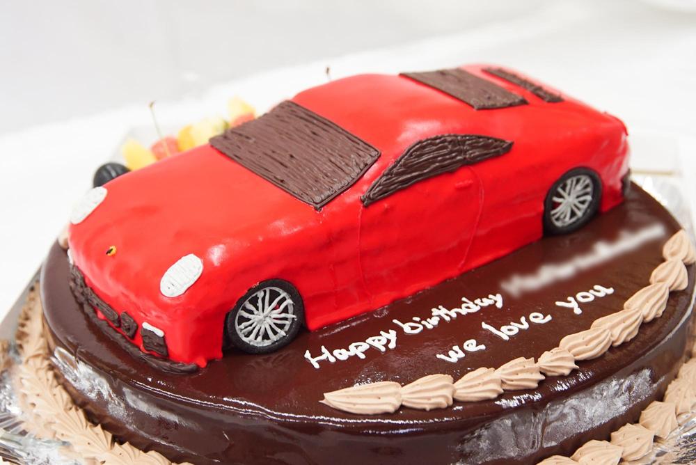 ポルシェ ケーキ