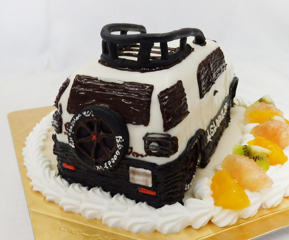 車のケーキ 魔法のバースデーケーキ