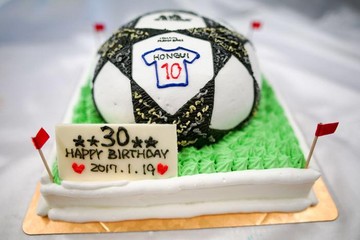 サッカーボールの3Dケーキ-1-11