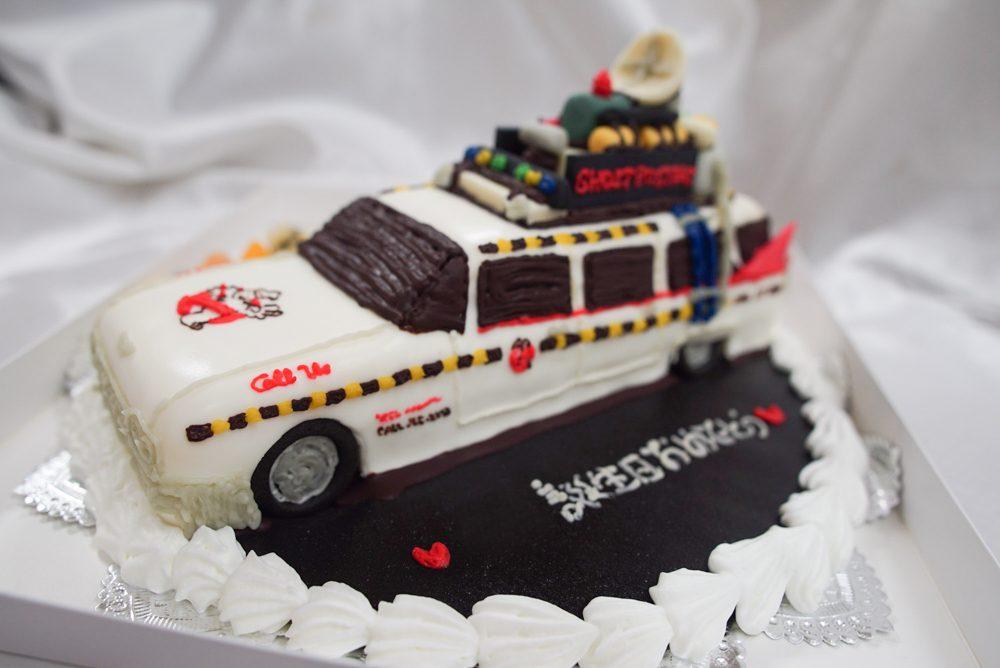 ゴーストバスターズ 車のケーキ完成1