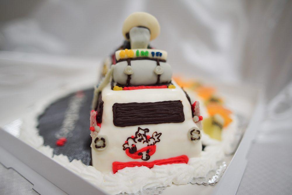ゴーストバスターズ 車のケーキ完成2