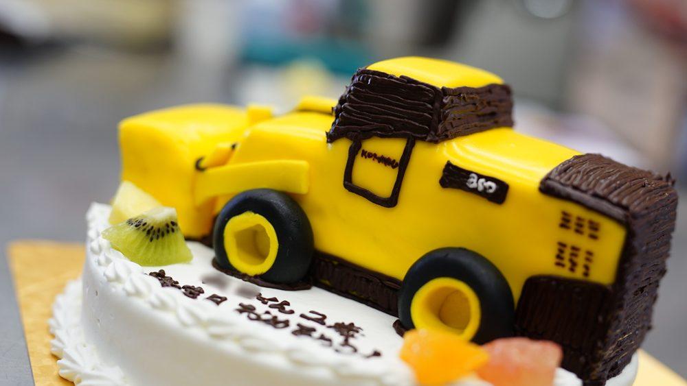 働く車の3Dケーキ