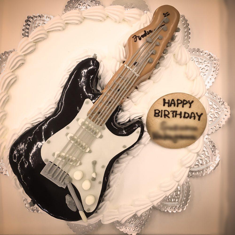 エレキギターの3Dケーキ