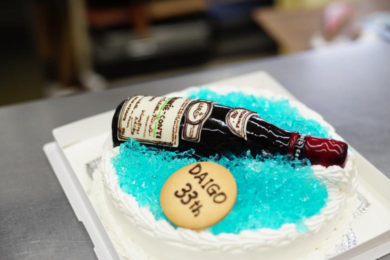 ワインボトルの3D超立体ケーキ