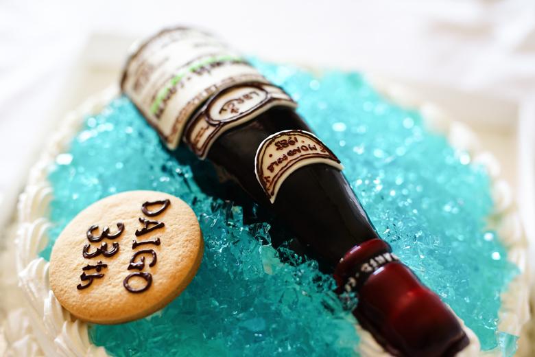 立体ケーキ ワインボトル