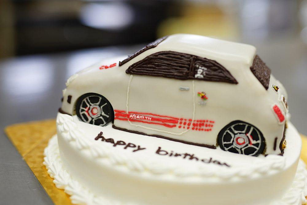 車のケーキ・アバルト