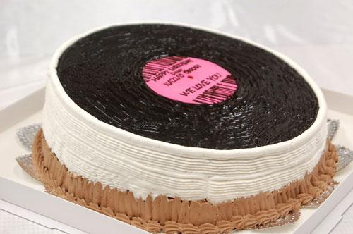 レコードのバースデーケーキ