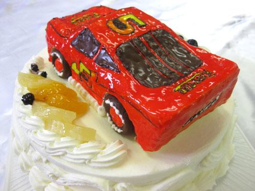 カーズ・マックイーン車のケーキ