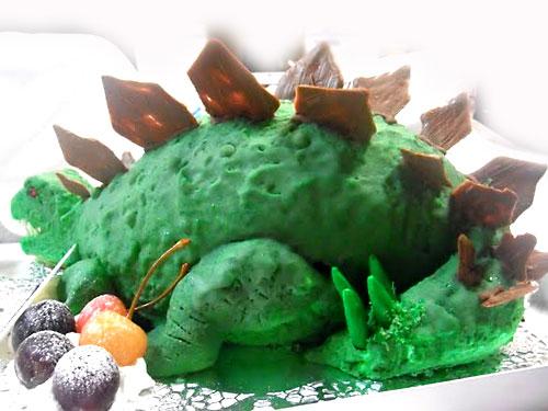 恐竜の立体ケーキ