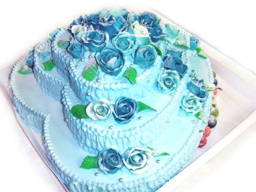 ハート型3段ケーキ