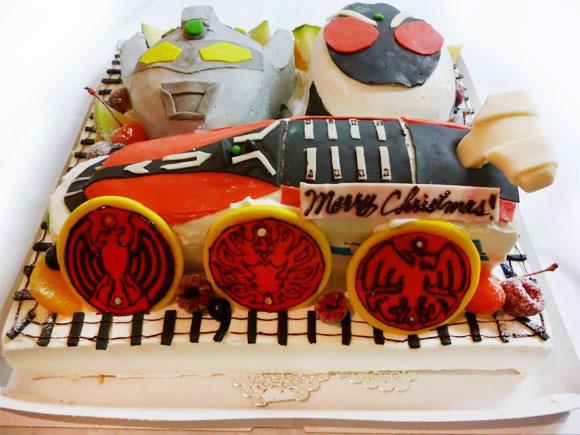 仮面ライダーフォーゼとウルトラマンの3Dケーキ