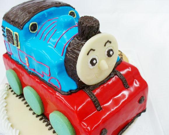 トーマス 3Dケーキ 誕生日