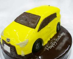 車のケーキ トヨタ・アクア