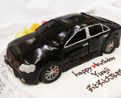 車の誕生日ケーキ