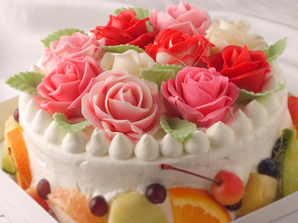 バラのデコレーションオーダーケーキ
