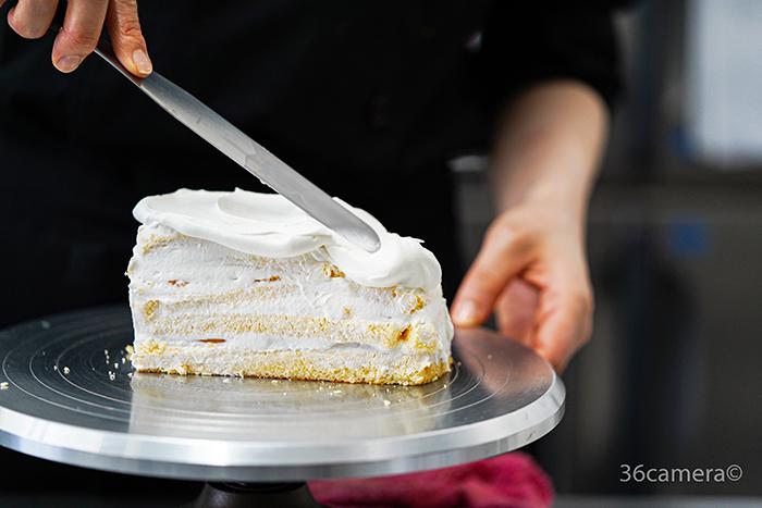 車のケーキ製作過程