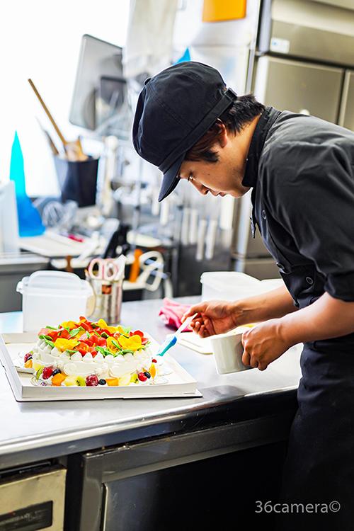 ハイビスカスのケーキ制作風景8